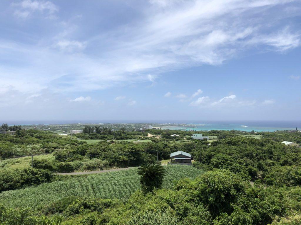 与論島の舵引き丘