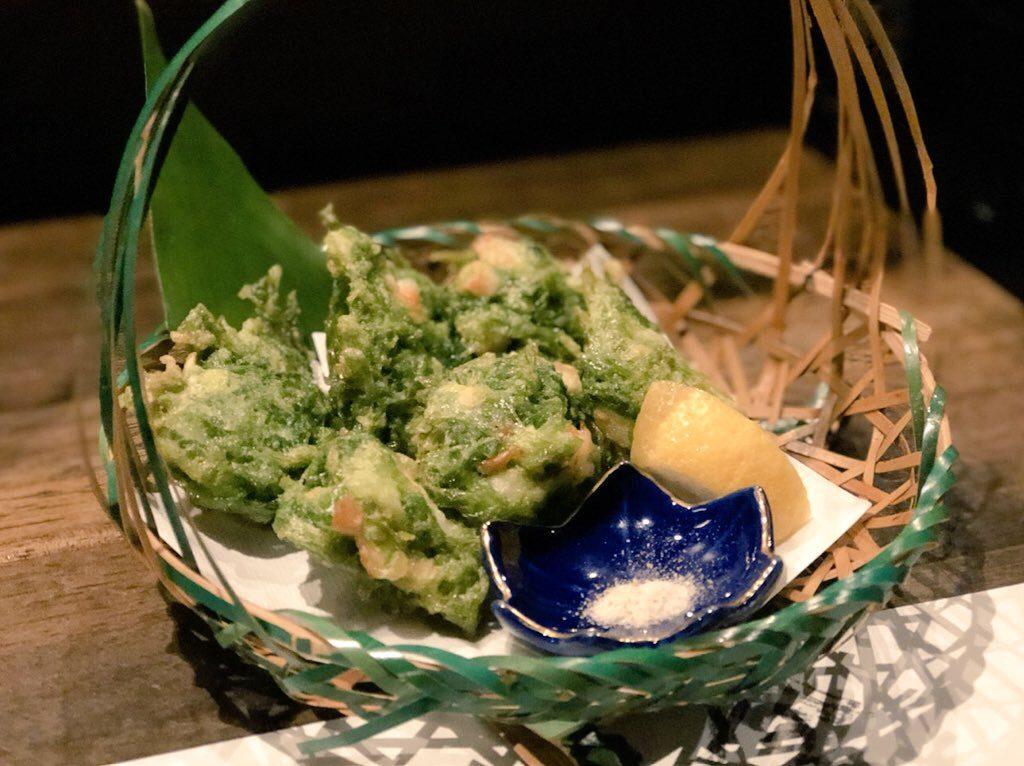 奄美大島の誇羅司屋のあおさのかき揚げ