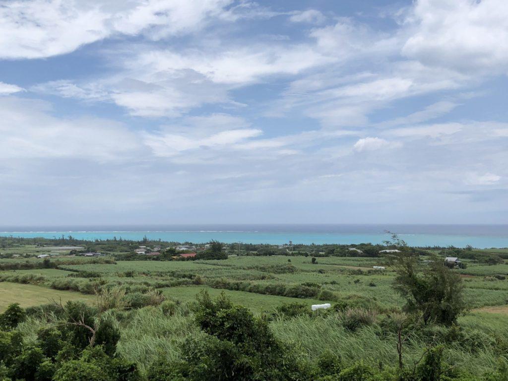 与論島の竹丸荘からの百合ヶ浜