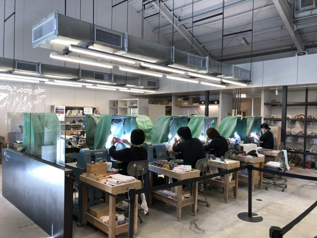 薩摩ガラス工芸の内部