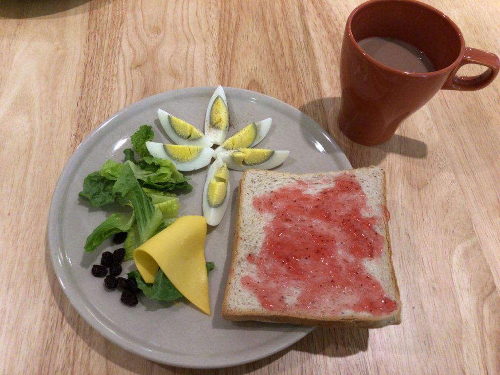 高雄のフライインホステルの朝食