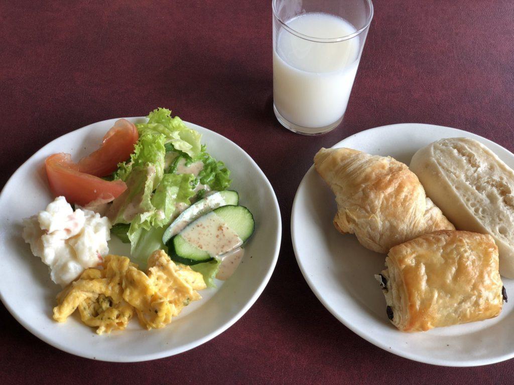 奄美大島のコーラルパームスの朝食