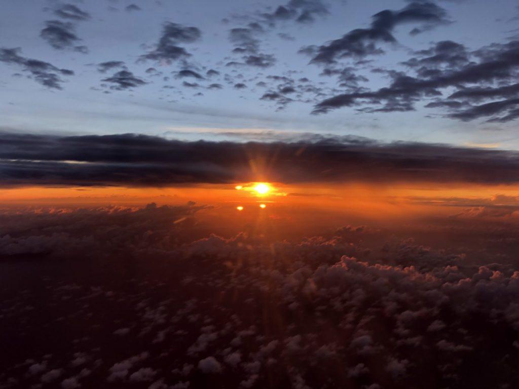 奄美大島の飛行機から見た夕日