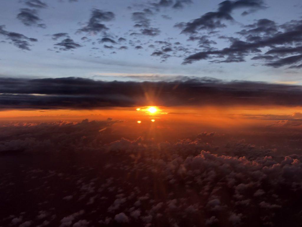 奄美大島上空からの夕日