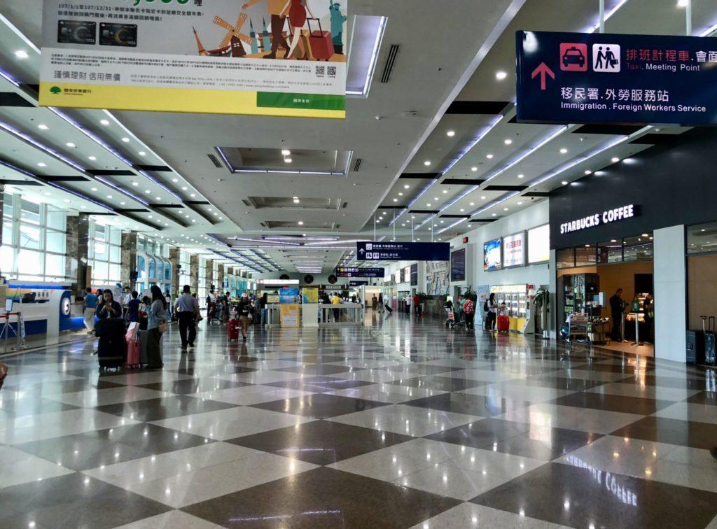 高雄空港の到着ロビー