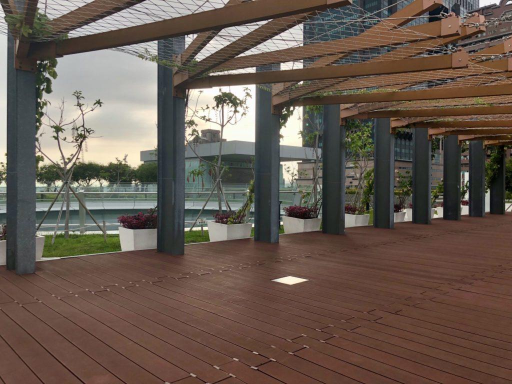 高雄市立図書館の屋上庭園