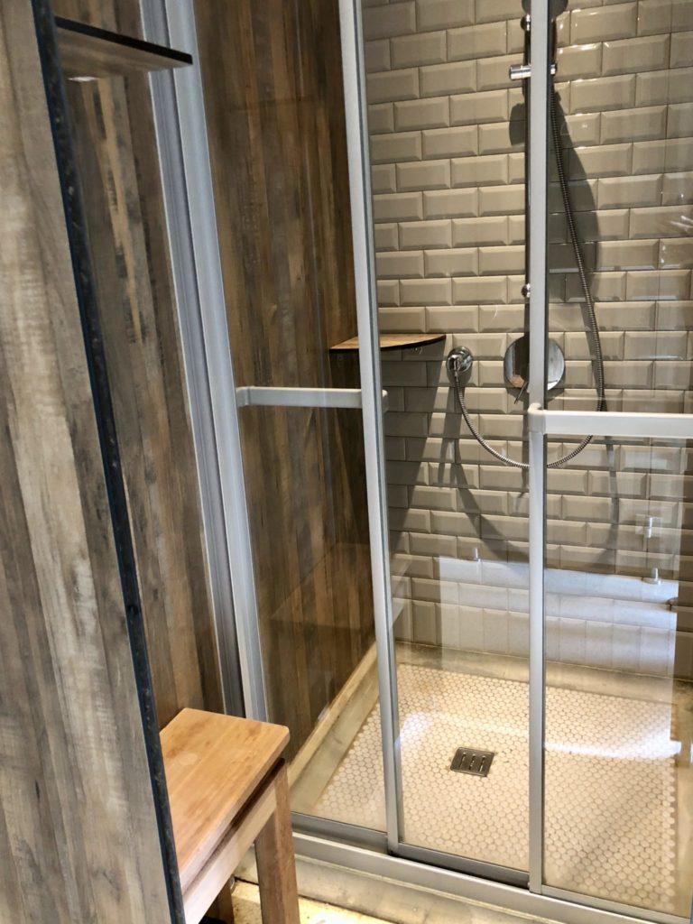uijホテルのシャワー