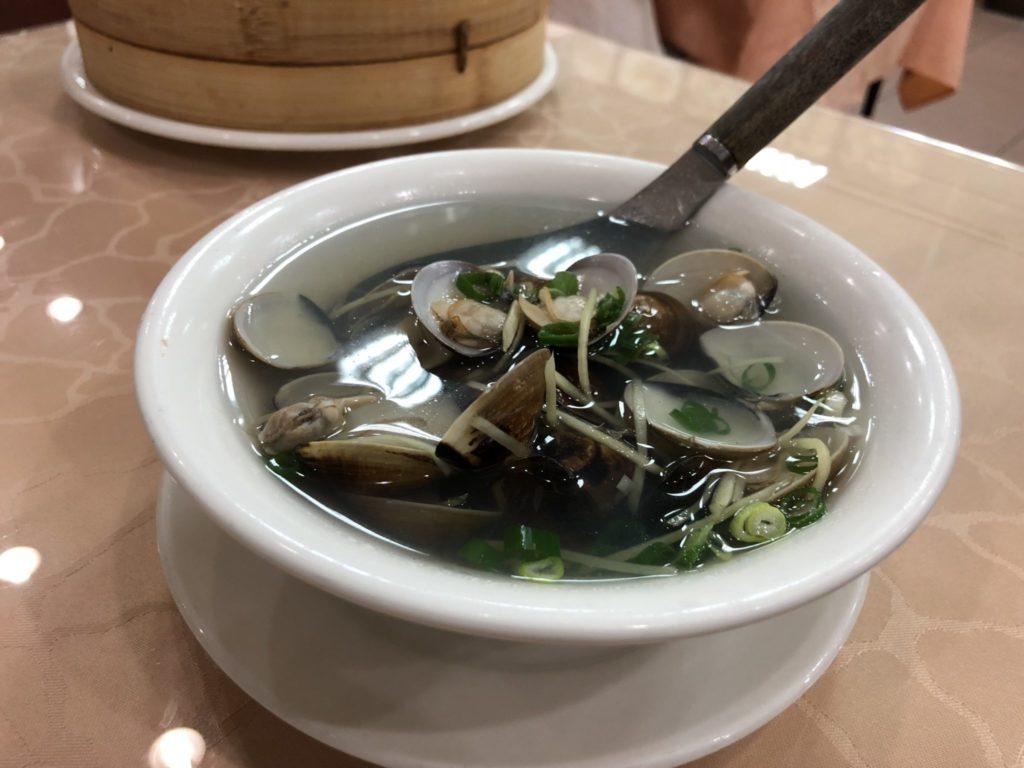 台中の沁園春の蛤スープ