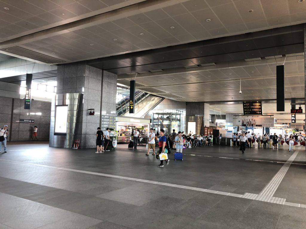 台湾新幹線の台中駅の構内