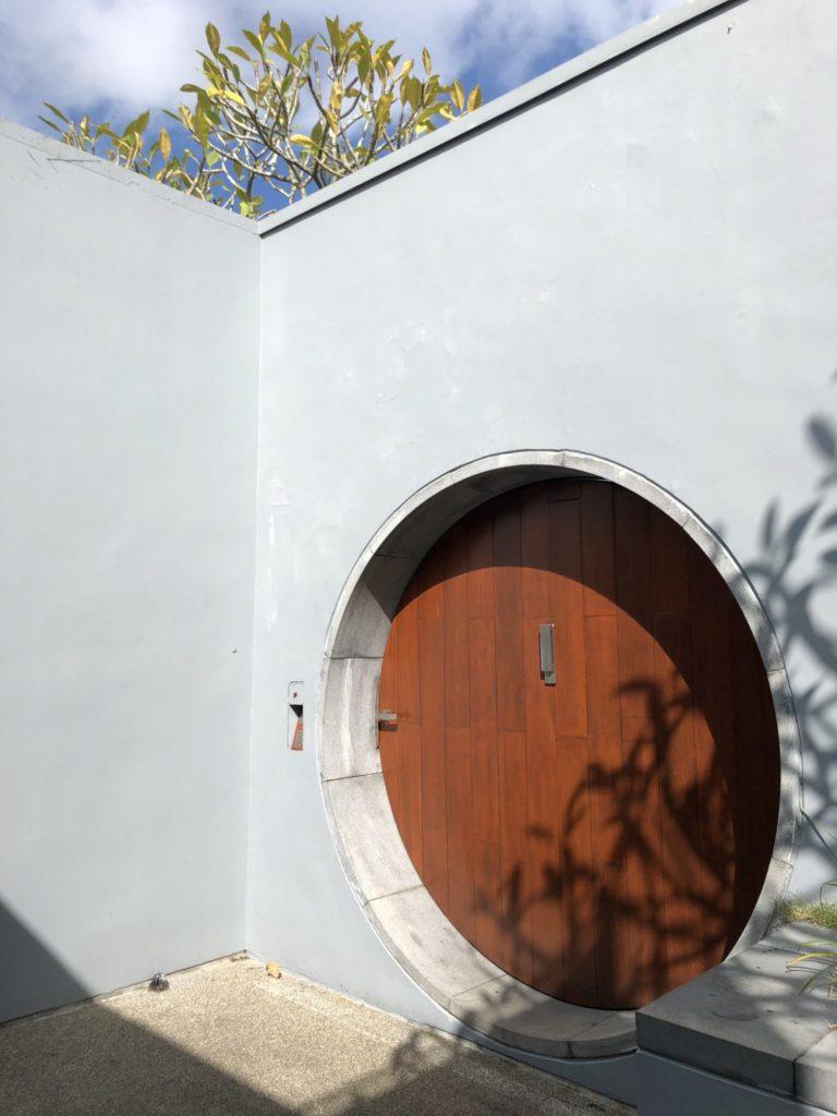 ザ・ラルーホテルのヴィラの入り口