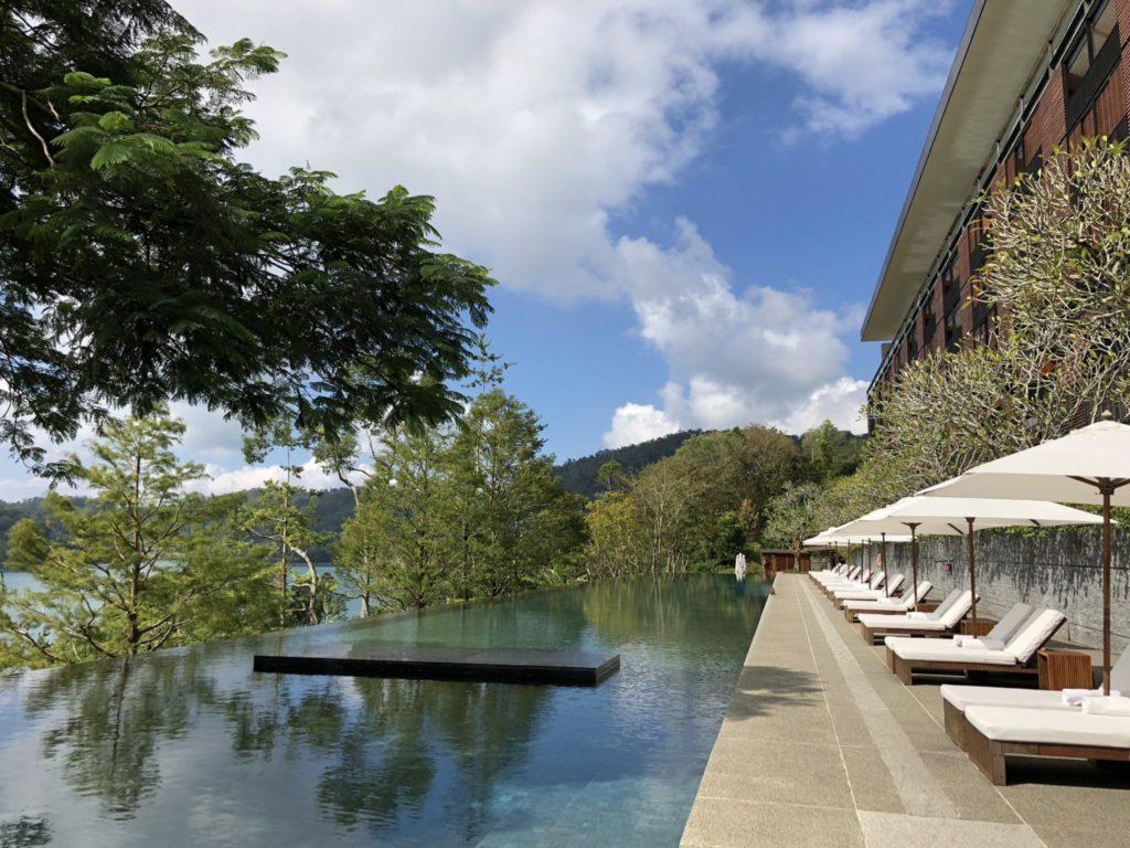 ラルーホテルのプール