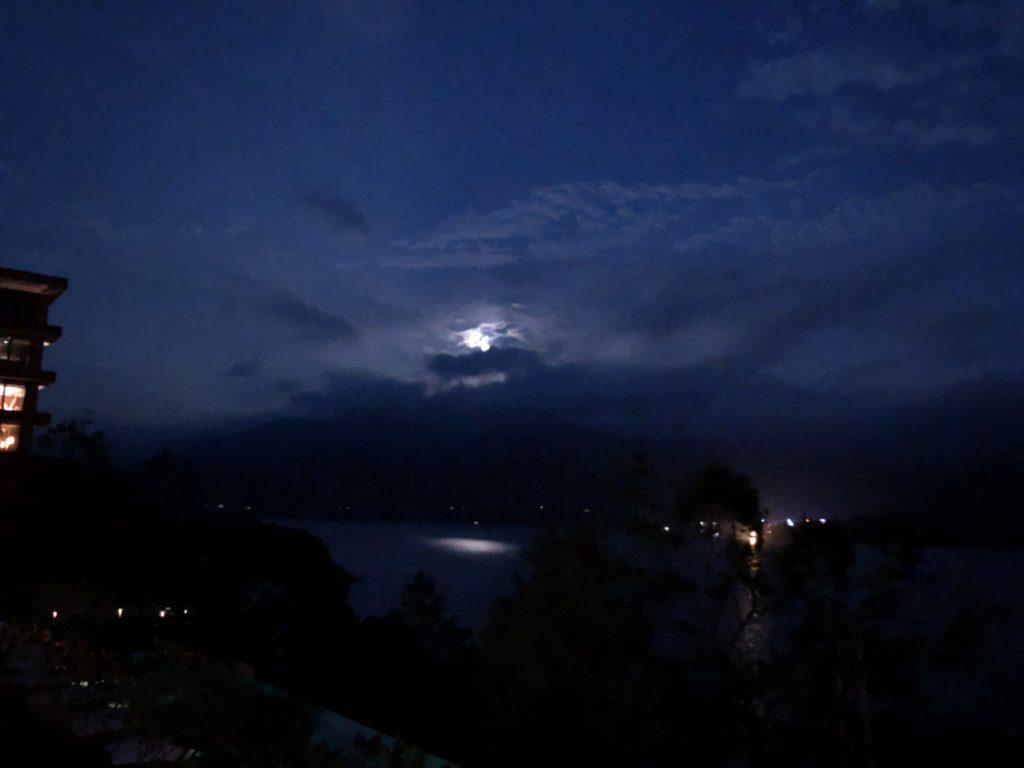 日月潭のラルーホテルから見える中秋の名月